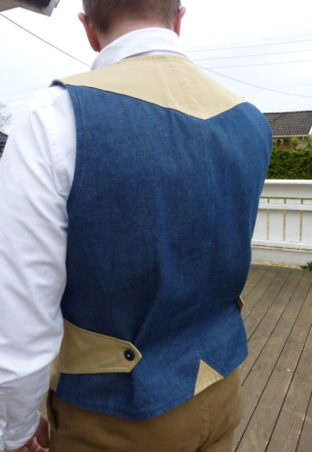 Innovative buttoned cinch by Arn Mercantile.