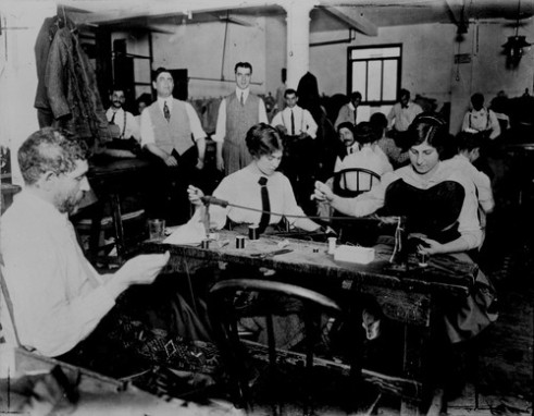 photo_of_a_small_garment_factory_1000px
