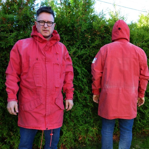 "Vintage Norrønna anorak. Made in Norway! Technical hood, YKK zip, huge pockets and velcro closing where needed. Looks like it's been over the mountains more than once, fantastic patina, yet still in proper condition. Marked large 52/56, P2P is a generous 27"" so there is room for a big wooly sweater under. Open to offers on this."