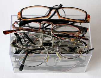pile-of-glasses
